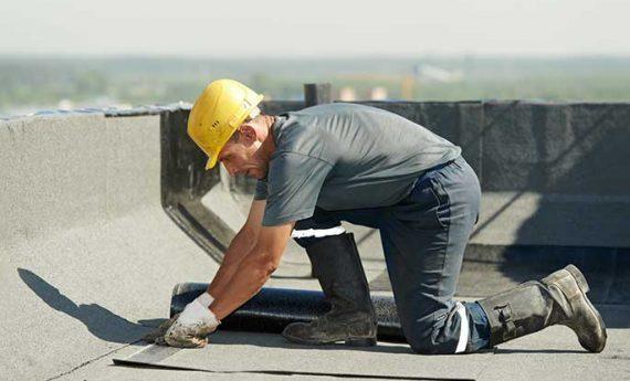 Dachdeckerarbeiten Flachdach Bitumen